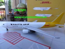Kalitta Air / DHL B 767-300ER Black title