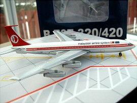 Malayian Airline System B 707-300